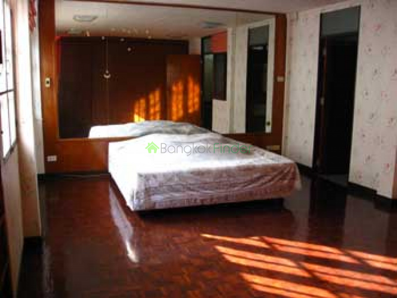Sukhumvit- Thonglor,Thonglor,Bangkok,Thailand,4 Bedrooms Bedrooms,5 BathroomsBathrooms,House,Sukhumvit-Thonglor,377